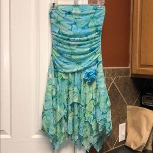 Cute tube top floral dress small
